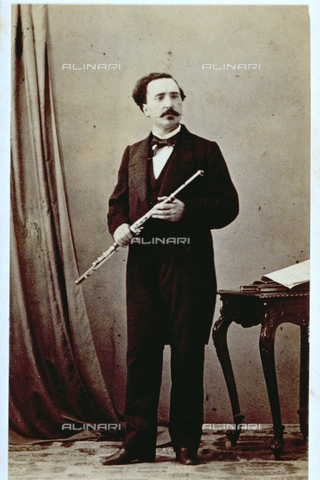 MFC-F-000374-0000 - Portrait of the flautist Cesare Ciardi (1818-1877) holding a German flute and elegantly dressed - Date of photography: 1865-1872 - Fratelli Alinari Museum Collections-Malandrini Collection, Florence