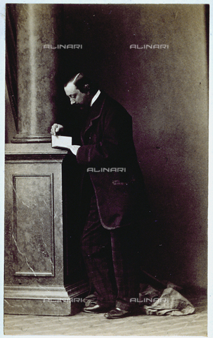 MFC-F-000981-0000 - Portrait of Valfredo della Gherardesca, florentine aristocrat. He is shown full-length, next to a column, reading - Data dello scatto: 1854-1860 ca. - Archivi Alinari, Firenze