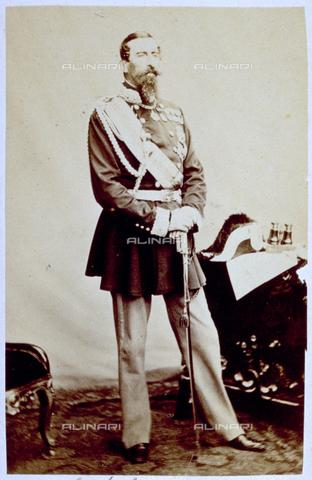MFC-F-000992-0000 - Ritratto in alta uniforme del generale Lamarmora che fu Primo Ministro nel 1859 e nel 1864-66 - Data dello scatto: 1860-1870 ca. - Raccolte Museali Fratelli Alinari (RMFA)-collezione Malandrini, Firenze