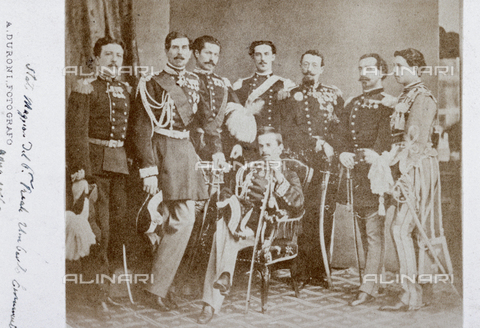 MFC-F-000995-0000 - Gruppo di militari in alta uniforme - Data dello scatto: 1869 ca. - Archivi Alinari, Firenze