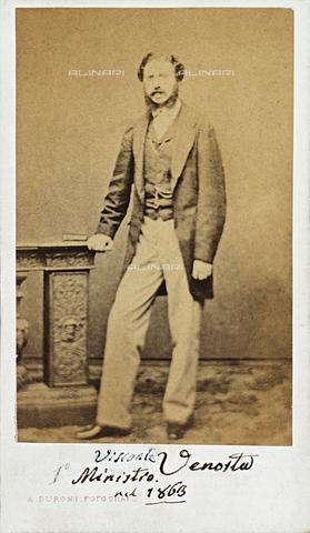 MFC-F-000996-0000 - Ritratto del Primo Ministro Visconti-Venosta - Data dello scatto: 1863 ca. - Archivi Alinari, Firenze