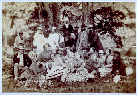 MFC-F-001467-0000 - Group of people photographed in the shade of some trees, probably on a picnic - Data dello scatto: 1860-1865 ca. - Archivi Alinari, Firenze