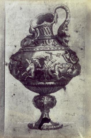 MFC-F-001778-0000 - Disegno raffigurante il progetto di un vaso con figure allegoriche di Polidoro da Caravaggio - Data dello scatto: 1865 ca. - Archivi Alinari, Firenze