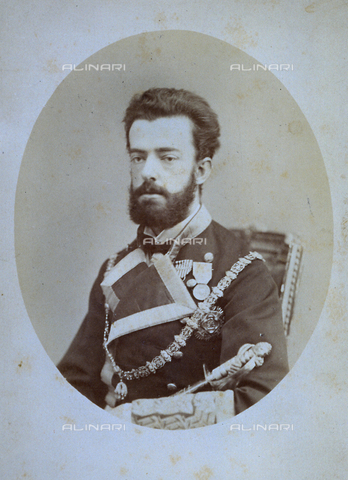 MFC-F-002037-0000 - Half-length portrait, in three-quarter view, of Amedeus I King of Spain. The king is in dress uniform - Data dello scatto: 1870-1880 ca. - Archivi Alinari, Firenze