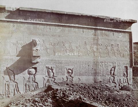 MFC-S-000450-0020 - Veduta esterna del Tempio di Denderah - Data dello scatto: 1870-1880 - Raccolte Museali Fratelli Alinari (RMFA)-collezione Malandrini, Firenze
