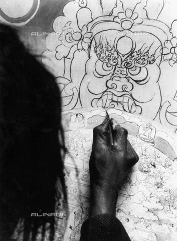 MFV-F-T00068-0000 - La Ruota Buddista della Vita disegnata dalla mano di un pittore tibetano, Gyantsé, Tibet - Data dello scatto: 1937 - Fosco Maraini/Proprietà Gabinetto Vieusseux©Fratelli Alinari