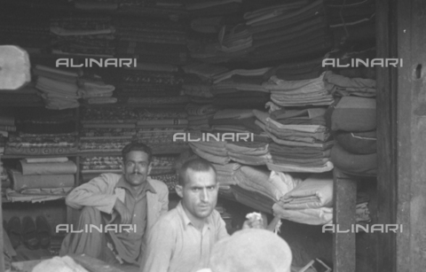 MFV-S-CAI021-0163 - CAI Rome expedition on Mount Saraghrar in the Hindu-Kush range: bazaar in Chitral - Date of photography: 18/06/1959-25/09/1959 - Fosco Maraini/Gabinetto Vieusseux Property©Fratelli Alinari