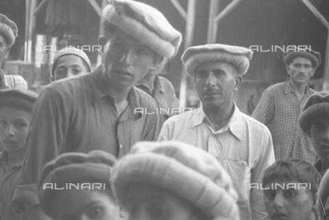 MFV-S-CAI021-0164 - CAI Rome expedition on Mount Saraghrar in the Hindu-Kush range: inhabitants in Chitral - Date of photography: 18/06/1959-25/09/1959 - Fosco Maraini/Gabinetto Vieusseux Property©Fratelli Alinari