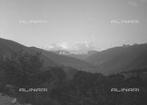 MFV-S-CAI021-0165 - CAI Rome expedition on Mount Saraghrar in the Hindu-Kush range: mountain landscape - Date of photography: 18/06/1959-25/09/1959 - Fosco Maraini/Gabinetto Vieusseux Property©Fratelli Alinari