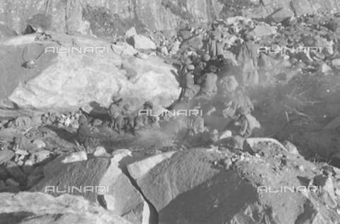 MFV-S-CAI021-0562 - CAI expedition to Gasherbrum IV in the Karakorum massif: Moraines of the Baltoro Glacier - Date of photography: 30/04/1958-03/09/1958 - Fosco Maraini/Gabinetto Vieusseux Property©Fratelli Alinari