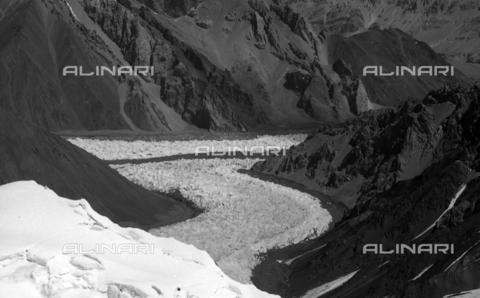 MFV-S-CAI021-0569 - CAI expedition to Gasherbrum IV in the Karakoram massif: Karakoram mountains - Date of photography: 30/04/1958-03/09/1958 - Fosco Maraini/Gabinetto Vieusseux Property©Fratelli Alinari