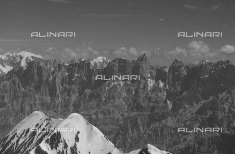 MFV-S-CAI021-0571 - CAI expedition to Gasherbrum IV in the Karakoram massif: Karakoram mountains - Date of photography: 30/04/1958-03/09/1958 - Fosco Maraini/Gabinetto Vieusseux Property©Fratelli Alinari