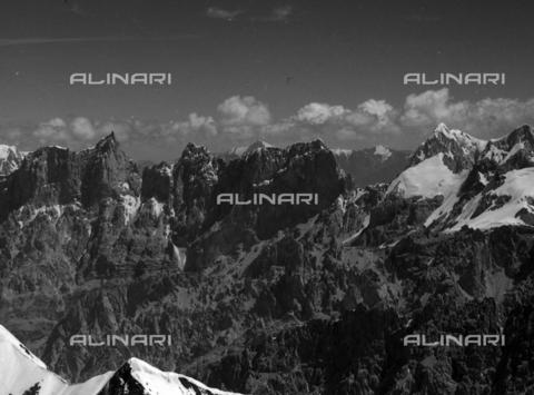 MFV-S-CAI021-0572 - CAI expedition to Gasherbrum IV in the Karakoram massif: Karakoram mountains - Date of photography: 30/04/1958-03/09/1958 - Fosco Maraini/Gabinetto Vieusseux Property©Fratelli Alinari