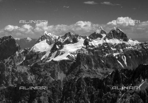MFV-S-CAI021-0573 - CAI expedition to Gasherbrum IV in the Karakoram massif: Karakoram mountains - Date of photography: 30/04/1958-03/09/1958 - Fosco Maraini/Gabinetto Vieusseux Property©Fratelli Alinari