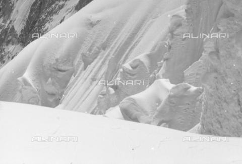 MFV-S-CAI021-0576 - CAI expedition to Gasherbrum IV in the Karakoram massif: Karakoram mountains - Date of photography: 30/04/1958-03/09/1958 - Fosco Maraini/Gabinetto Vieusseux Property©Fratelli Alinari