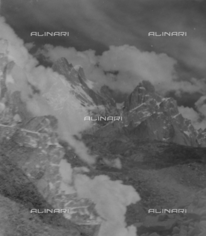 MFV-S-CAI021-0583 - CAI expedition to Gasherbrum IV in the Karakoram massif: mountain landscape - Date of photography: 30/04/1958-03/09/1958 - Fosco Maraini/Gabinetto Vieusseux Property©Fratelli Alinari