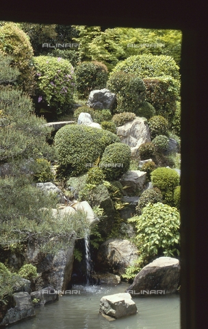 MFV-S-JPN369-0065 - Detail of the garden inside the Chishaku-in temple in Kyoto - Date of photography: 1963-1991 - Fosco Maraini/Gabinetto Vieusseux Property©Fratelli Alinari