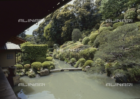 MFV-S-JPN369-0067 - Detail of the garden inside the Chishaku-in temple in Kyoto - Date of photography: 1963-1991 - Fosco Maraini/Gabinetto Vieusseux Property©Fratelli Alinari