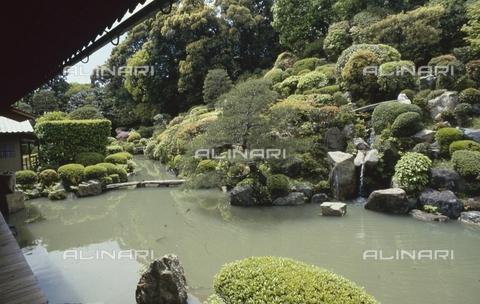 MFV-S-JPN369-0071 - Detail of the garden inside the Chishaku-in temple in Kyoto - Date of photography: 1963-1991 - Fosco Maraini/Gabinetto Vieusseux Property©Fratelli Alinari