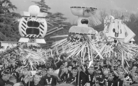 MFV-S-V00133-0041 - Traditional Japanese festival - Date of photography: 1959-1963 - Fosco Maraini/Gabinetto Vieusseux Property©Fratelli Alinari