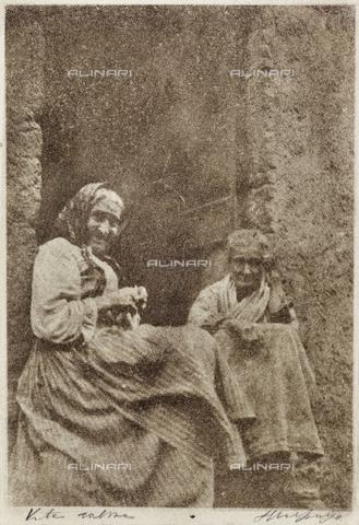 MLD-F-000040-0000 - Vita calma: donne anziane - Data dello scatto: 1920-1929 - Archivi Alinari, Firenze