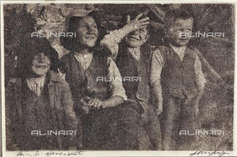 MLD-F-000139-0000 - Bimbi spensierati - Data dello scatto: 1920-1929 - Archivi Alinari, Firenze