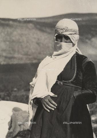 """MLD-F-000304-0000 - """"Donna drusa"""" - Data dello scatto: 1930-35 ca. - Archivi Alinari, Firenze"""