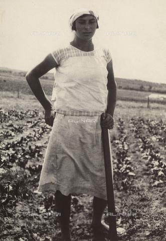 """MLD-F-000325-0000 - """"Jewish girl"""" - Data dello scatto: 1930-35 ca. - Archivi Alinari, Firenze"""
