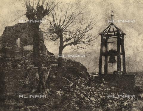 """MLD-F-000346-0000 - """"After the earthquake"""" - Data dello scatto: 1910 ca. - Archivi Alinari, Firenze"""