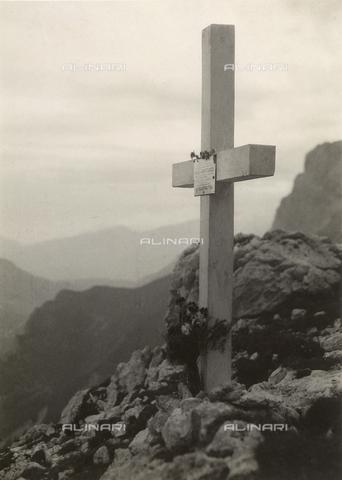 """MLD-F-000354-0000 - """"Monte Rosetta: Croce Sabatucci"""" - Data dello scatto: 1940 ca. - Raccolte Museali Fratelli Alinari (RMFA)-donazione Morpurgo, Firenze"""