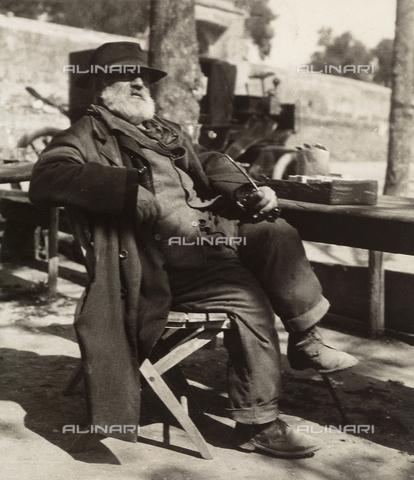 MLD-F-000393-0000 - All'osteria di Genazzano, in provincia di Roma - Data dello scatto: 1940 ca. - Raccolte Museali Fratelli Alinari (RMFA)-donazione Morpurgo, Firenze