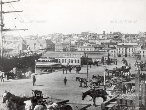 NMM-F-007366-0000 - The Cutty Sark in the Circular Quay in Sydney, National Maritime Museum, London - Data dello scatto: 1883-1894 - National Maritime Museum, London / Alinari Archives