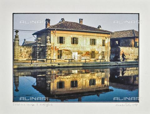 """NPA-F-000044-0000 - """"Milano e i suoi navigli""""-""""Cascina lungo il naviglio"""" - Data dello scatto: 1959 - Archivi Alinari, Firenze"""