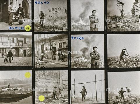 NPA-F-000132-0000 - Fiera di Sinigaglia: ritratti maschili, uomo con chitarra e bicicletta, sterpaglie bruciate, contadino, bambini durante il gioco, case; provini - Data dello scatto: 1965-1970 - Archivi Alinari, Firenze