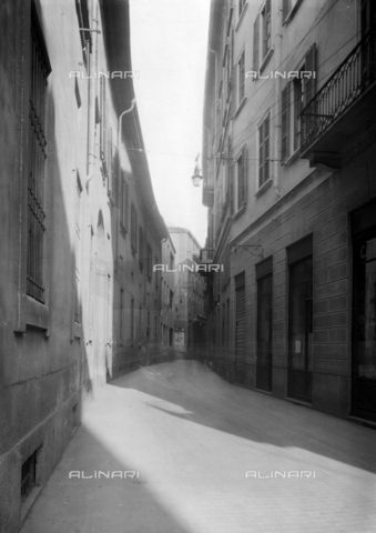NVQ-S-001053-0003 - Via Brisa, Milan - Date of photography: 1920-1930 - Alinari Archives, Florence