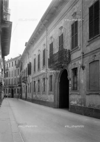 NVQ-S-001056-0003 - Via Morigi, Milan - Date of photography: 1920-1930 - Alinari Archives, Florence