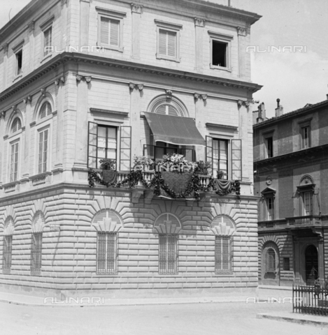 NVQ-S-002202-0009 - Building in Lungarno Amerigo Vespucci in Florence - Date of photography: 1935-1945 ca. - Alinari Archives, Florence