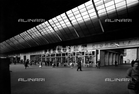 NVQ-S-002604-1016 - Store Perugia in San Frederico Gallery, Railway Station Porta Nuova, Turin