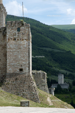 OBN-F-000688-0000 - View of one of the towers of the Rocca Maggiore in Assisi - Date of photography: 06/2012 - Nicolò Orsi Battaglini/Alinari Archives, Florence