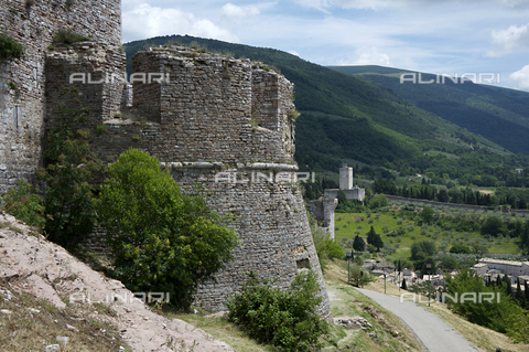 OBN-F-000689-0000 - View of one of the towers of the Rocca Maggiore in Assisi - Date of photography: 06/2012 - Nicolò Orsi Battaglini/Alinari Archives, Florence