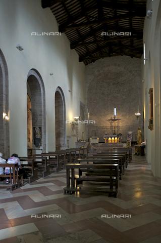 OBN-F-000708-0000 - Inside the Church of Santa Maria Maggiore in Assisi - Date of photography: 06/2012 - Nicolò Orsi Battaglini/Alinari Archives, Florence