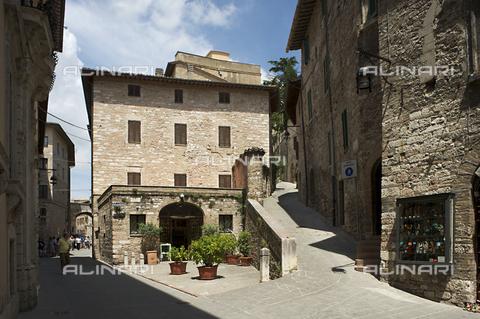 OBN-F-000715-0000 - Via the Seminary in Assisi - Date of photography: 06/2012 - Nicolò Orsi Battaglini/Alinari Archives, Florence