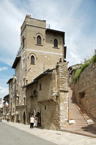 OBN-F-000718-0000 - View of Via di San Francesco, Assisi - Date of photography: 06/2012 - Nicolò Orsi Battaglini/Alinari Archives, Florence