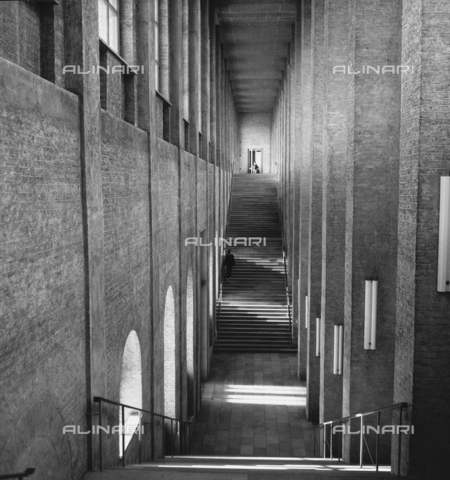 OMD-F-000076-0000 - The staircase inside the Alte Pinakothek in Munich