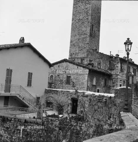 OMD-S-000324-0001 - Historic center of Ascoli Piceno - Date of photography: 1990-2000 - Fratelli Alinari Museum - donation Orioli, Florence