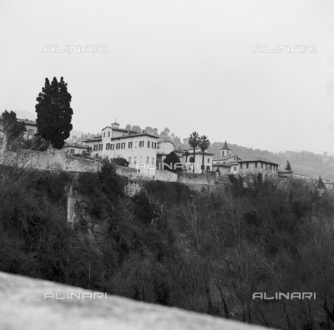 OMD-S-000324-0002 - Historic center of Ascoli Piceno - Date of photography: 1990-2000 - Fratelli Alinari Museum - donation Orioli, Florence