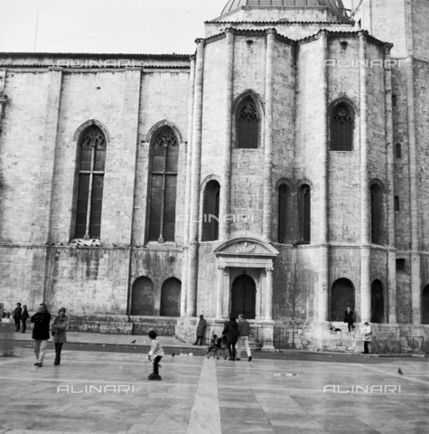 OMD-S-000324-0006 - Church of San Francesco in Piazza del Popolo in Ascoli Piceno - Date of photography: 1990-2000 - Fratelli Alinari Museum - donation Orioli, Florence