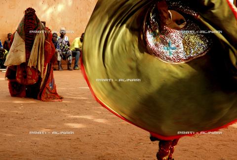 PAA-F-004243-0000 - Bohicon danze Egun