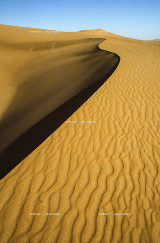 PAA-F-004251-0000 - Algeria-Tadrart Acacus
