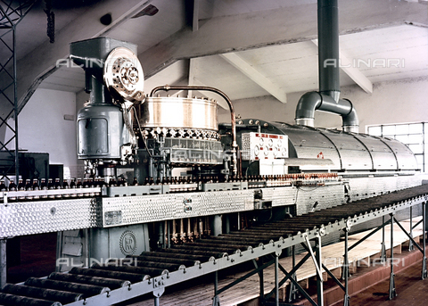 PAQ-F-000542-0000 - Industrial equipment set-up - Date of photography: 1980 ca. - Alinari Archives-Pozzar Archive, Florence